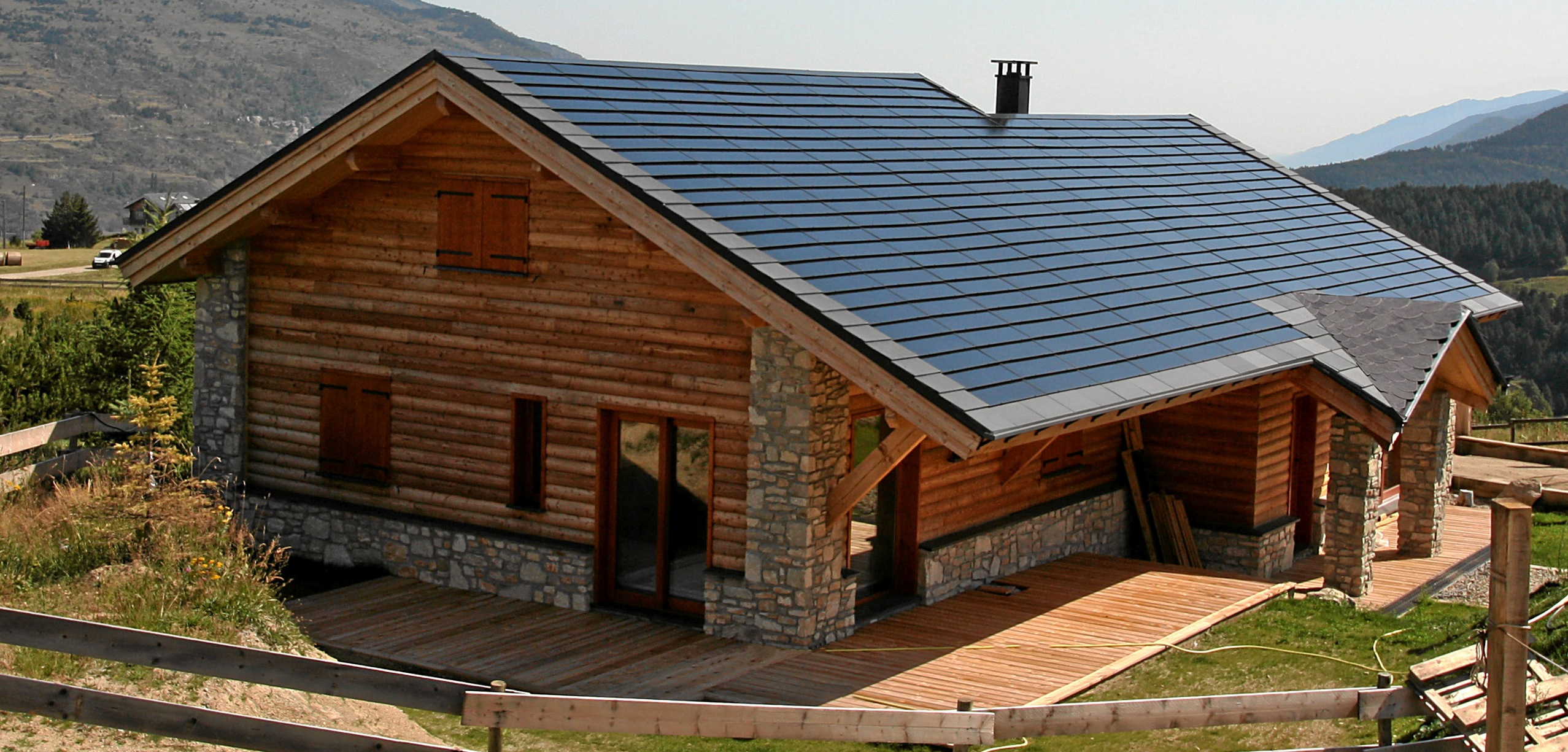 Solar tiles c21e eco installer cambridgeshire eco for Roofing product