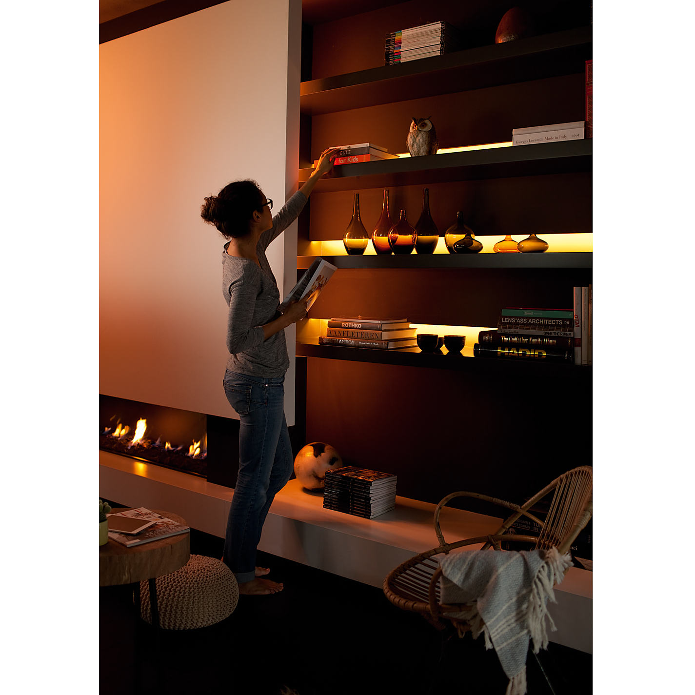 philips hue lightstrip plus eco installer. Black Bedroom Furniture Sets. Home Design Ideas
